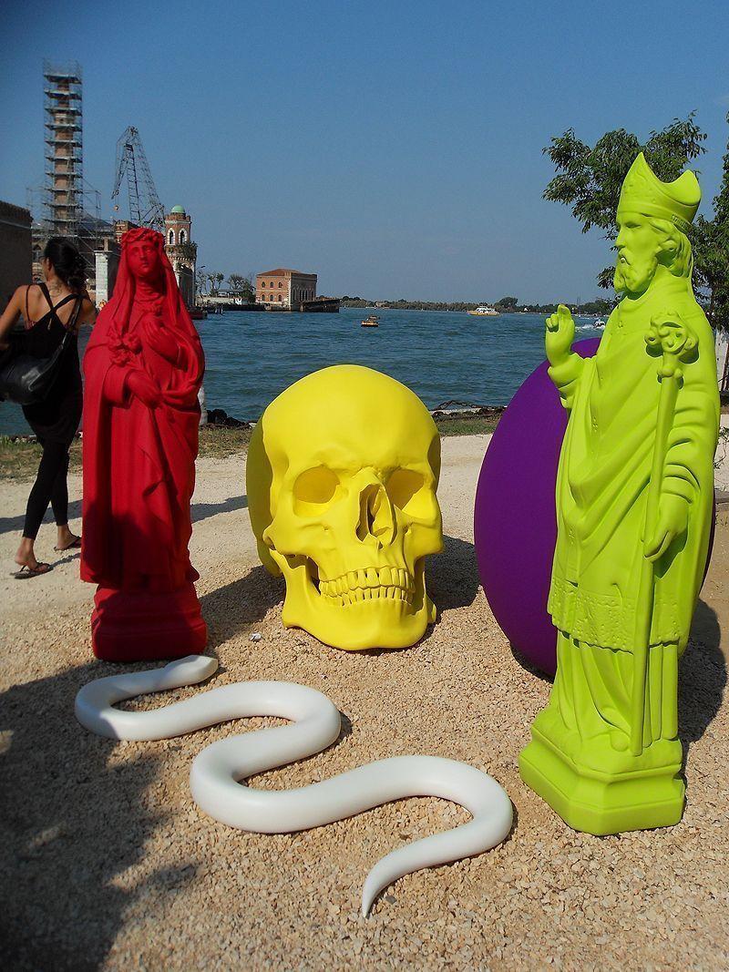 Katharina Fritsch, 6. Stillleben, Installationsansicht Biennale von Venedig 2011; Foto: Alexandra Matzner.