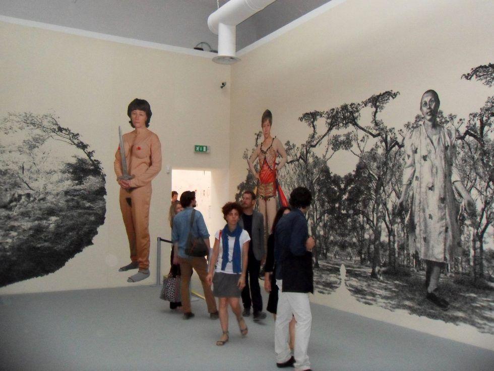 Cindy Sherman, Untitled, 2011, Pigment print on PhotoTex adhesive fabric, dimensions variable, Installationsansicht Biennale 2011; Foto: Alexandra Matzner.