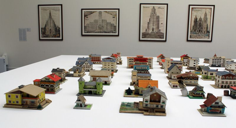 Oliver Croy und Oliver Elser (* 1970/* 1972), 387 Architekturmodelle von Peter Fritz (1916-2008), 1950-70, Foto: Alexandra Matzner.