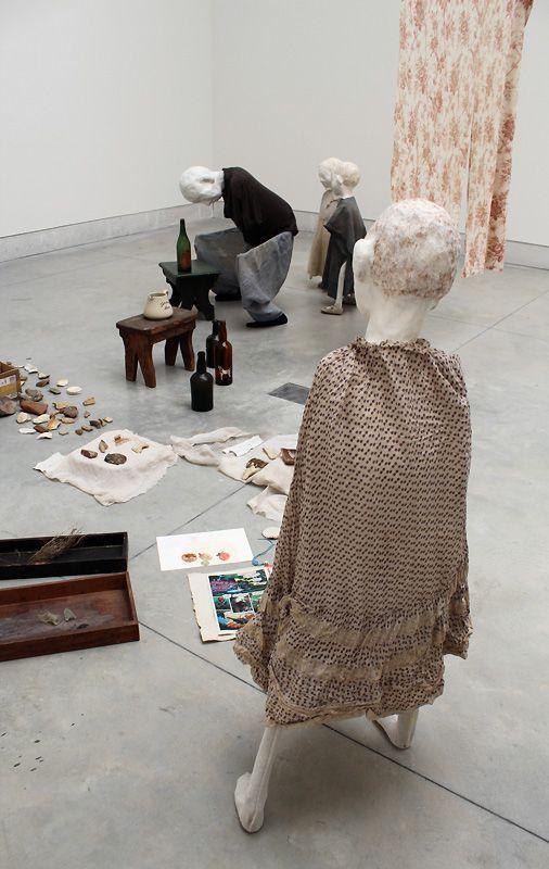 Cathy Wilkes (* 1966), Untiteled, 2013, Installationsfoto: Alexandra Matzner.