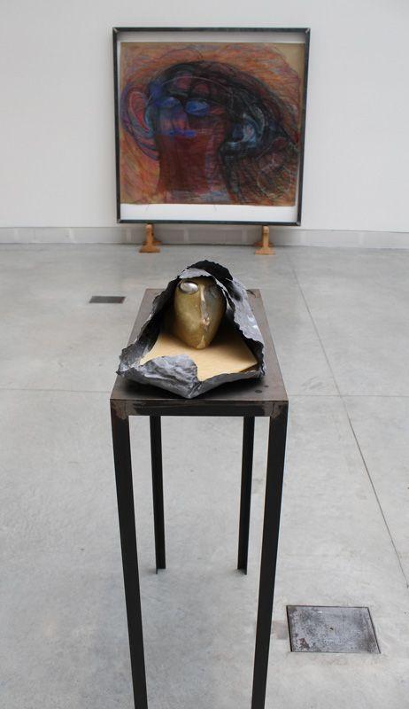 Marisa Merz (* 1931), Testa (Kopf), 1984-95, Installationsfoto: Alexandra Matzner.