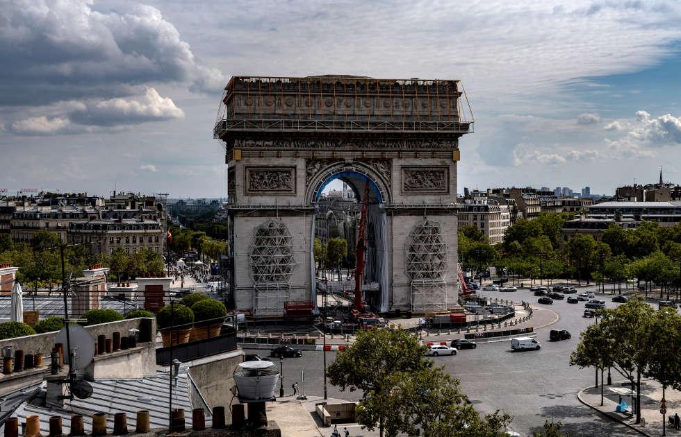 Christo, L'Arc de Triomphe, Wrapped, kurz vor der Verhüllung, September 2021