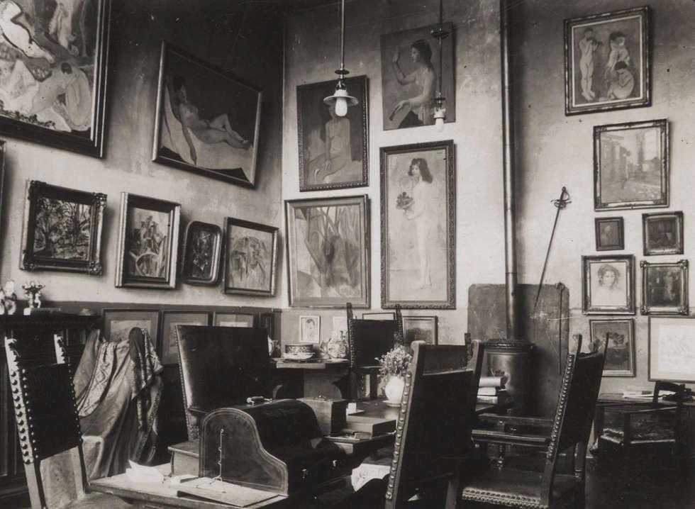 Atelier von Gertrude und Leo Stein, 27, rue de Fleurus, Paris, Anfang 1906. Unbekannter Fotograf (Beineke Yale Library)