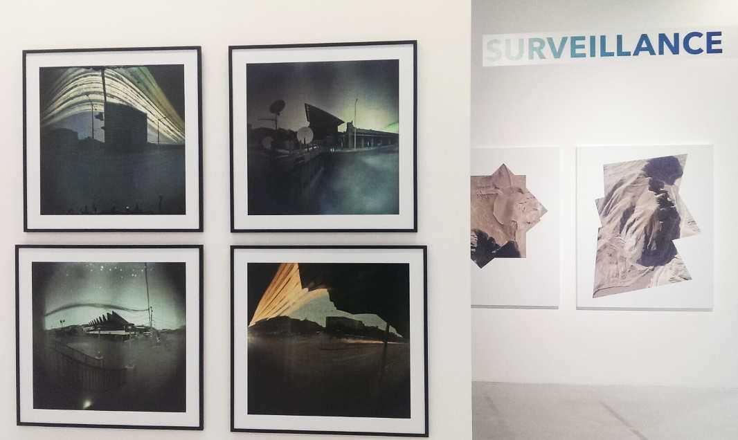 Balázs Deim, Surveillance System, 2013 (links), Raphaël Dellaporta, Ruins, 2010, Ausstellungsansicht MUSA 2016, Foto: Alexandra Matzner.