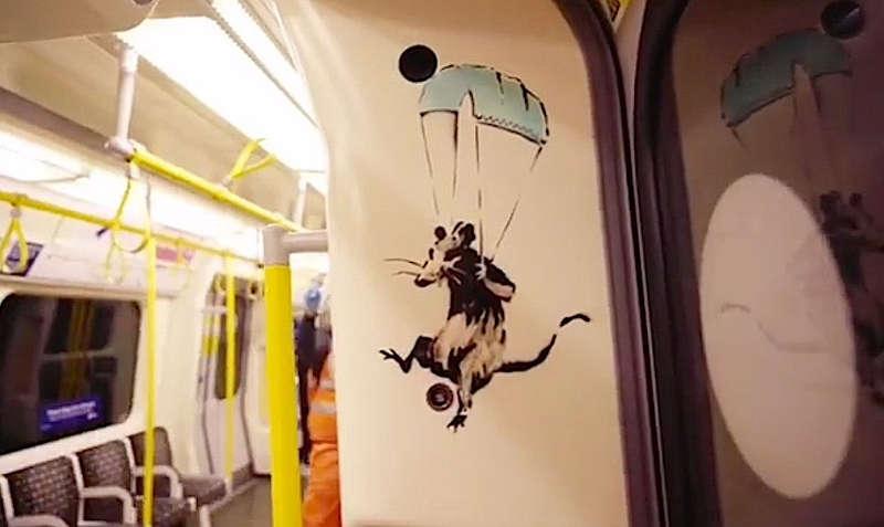 Banksy, If you don't mask – you don't get (Niesende Ratte), 14.7.2020, Londoner U-Bahn