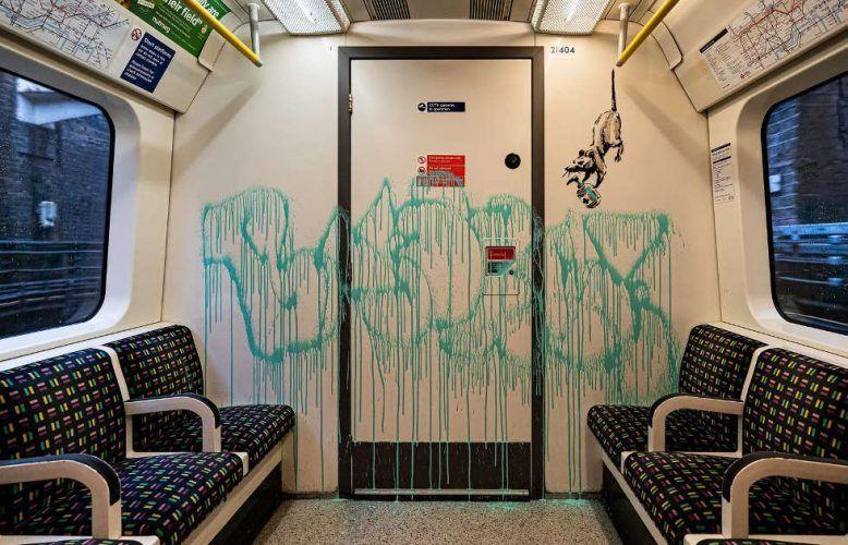 Banksy, If you don't mask – you don't get (Ratte mit Desinfektionsmittel), 14.7.2020, Londoner U-Bahn