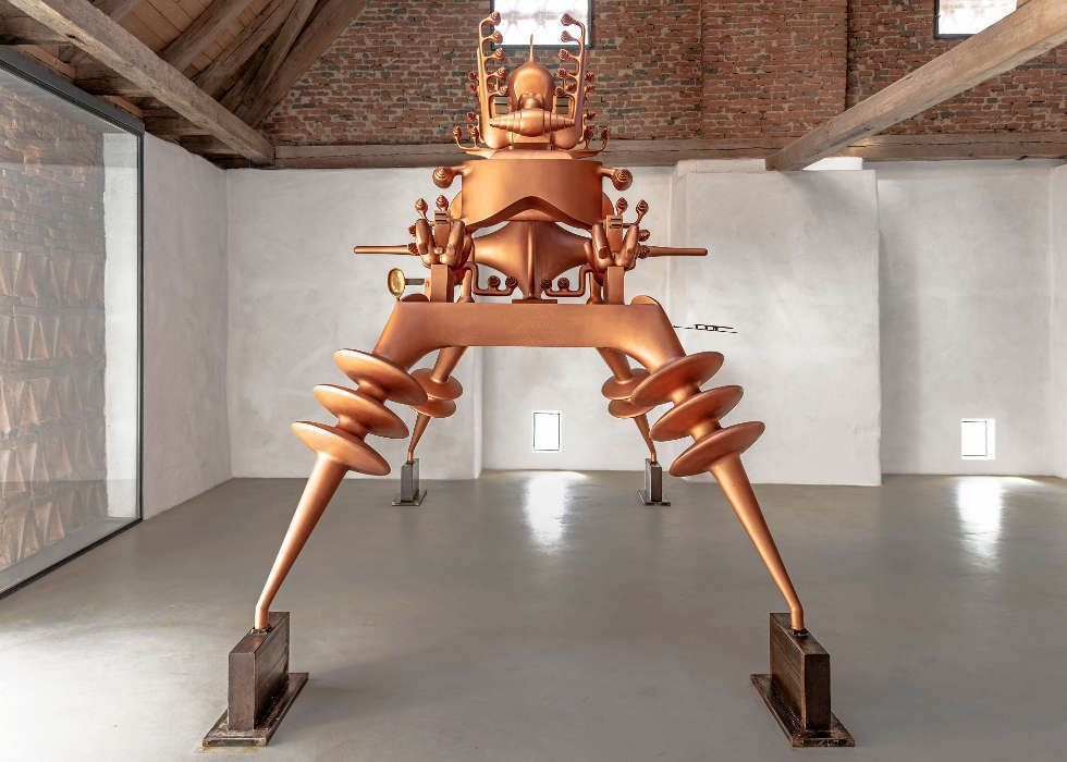 Bruno Gironcoli, Ohne Titel, 1996, Eisen, Holz, Kunststoff, 460 x 220 x 410 cm (Gironcoli Museum, Herberstein, © the Estate Bruno Gironcoli, Foto: Hans Christian Krass)