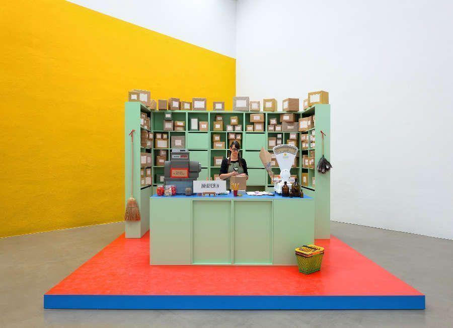 Christine Hill, Small Business Model, 2012 (Installationsansicht Museum Morsbroich, Leverkusen, Foto: Achim Kukulies, Düsseldorf)