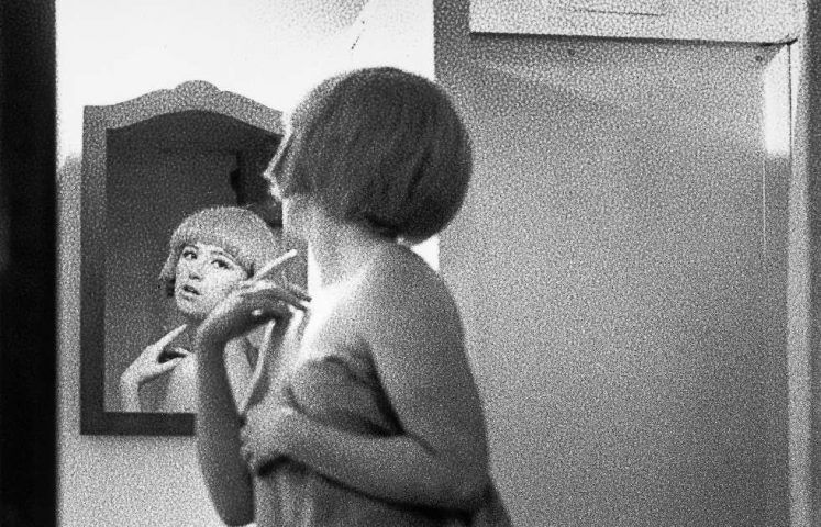 Cindy Sherman, Untitled Film Still #2, Detail, 1977, Silbergelatineabzug, 95,5 x 70 cm (KUNSTMUSEUM WOLFSBURG, Courtesy of the artist and Metro Pictures, New York)