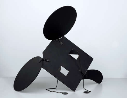Claes Oldenburg, Geometric Mouse-Scale C, 1971, Aluminiumblech, 62,5 x 52 x 0,5 cm (mumok – Museum moderner Kunst Stiftung Ludwig Wien, erworben 1976 © Claes Oldenburg)