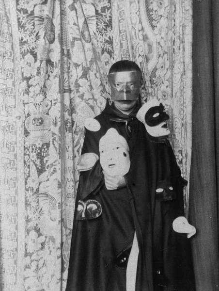 Claude Cahun, Autoportrait, um 1928, SW-Fotografie (Neue Galerie Graz, Universalmuseum Joanneum, Foto: Universalmuseum Joanneum/N. Lackner)