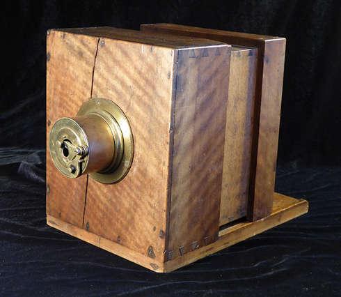 Daguerreotypie-Kamera, um 1841 (Private Sammlung © Collection H. G.)