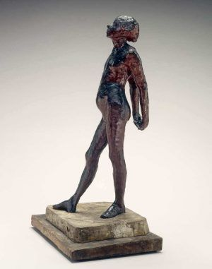 """Edgar Degas, Studie für den Akt der """"Kleinen Tänzerin im Alter von 14 Jahren"""", um 1878–1881, rotes Wachs und Plastilin, 69.5 x 29.3 x 30.3 cm (ohne Sockel) (The National Gallery of Art, Washington, Collection of Mr. and Mrs. Paul Mellon, Inv.-Nr. 1985.64.46)"""