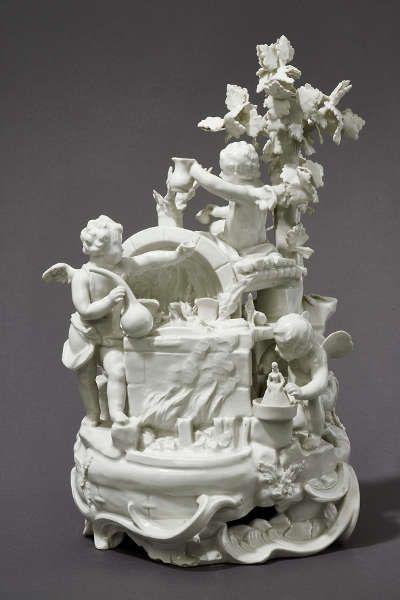 Die Porzellanerzeugung, Mittelgruppe des Zwettler Tafelaufsatzes, Wien, 1768, Ausführung Kaiserliche Porzellanmanufaktur Wien (© MAK/Georg Mayer)