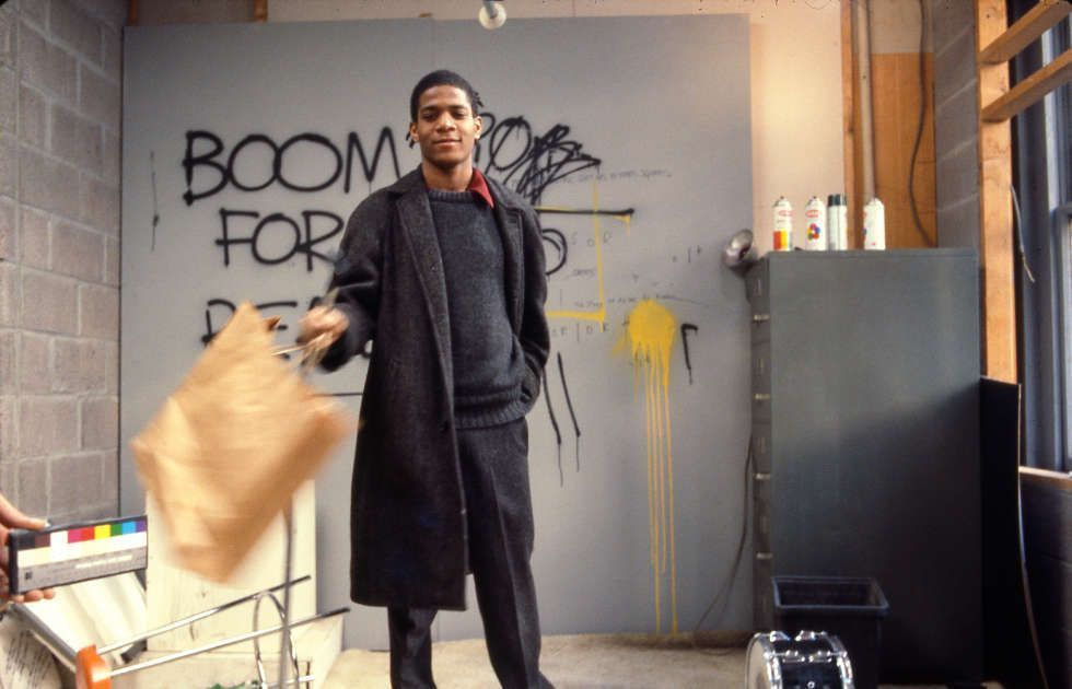 Edo Bertoglio, Jean-Michel Basquiat am Set von Downtown 81, 1980/81, © New York Beat Film LLC, By permission of The Estate of Jean-Michel Basquiat, Licensed by Artestar, New York, Photo: Edo Bertogli
