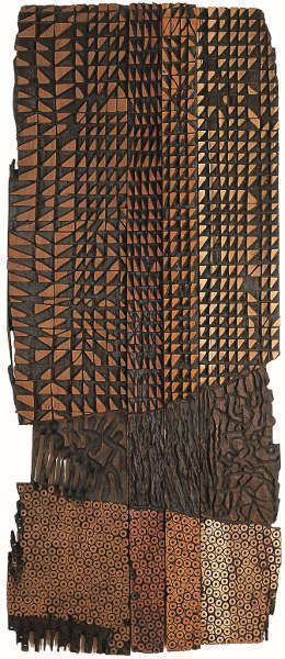El Anatsui, Leopard Cloth, 1993, Holzrelief, Mansonia, Camwood Opepe & Oyili-oji, 162 x 69 x 3 cm (Agnes and Andrew Usill Collection, London, Courtesy: October Gallery, London)