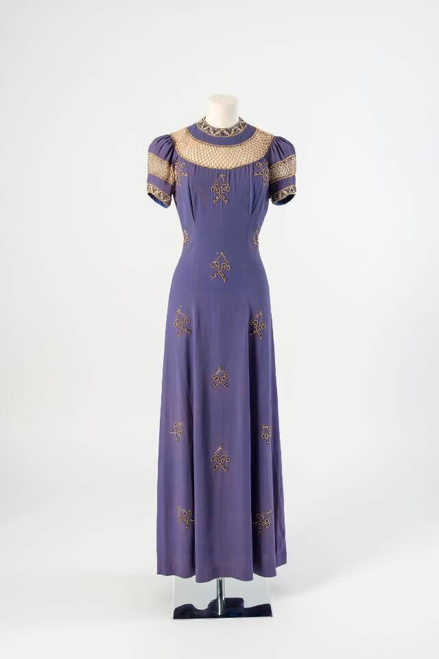 Elsa Schiaparelli, 'Les Clefs De Saint Pierre', Evening Gown, Spring 1936 (© Maison Schiaparelli)