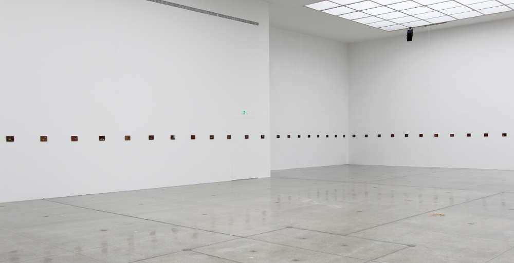 Francis Alÿs, Le temps du sommeil, 14.11.2016, Installationsansicht, Secession, Wien, Foto: Alexandra Matzner.