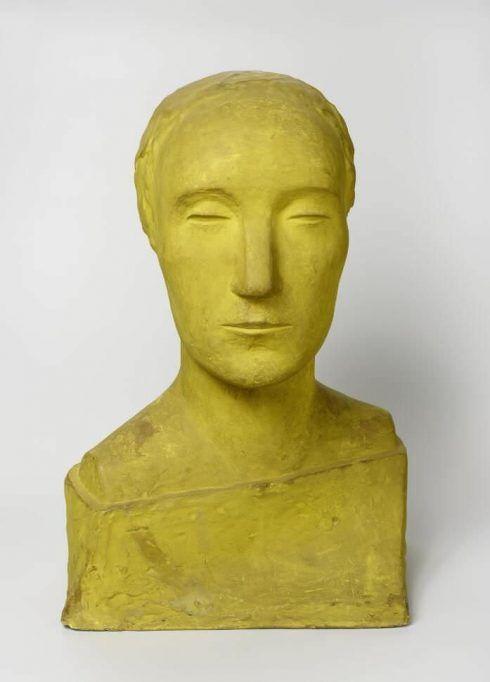 Otto Freundlich, Frauenbüste, 1910, Gips, gelb bemalt, 52 x 34 x 29 cm (Museum Ludwig, Köln), Foto: Rheinisches Bildarchiv Köln