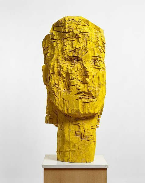 Georg Baselitz, Dresdner Frauen – Karla, 1990, Eschenholz und Tempera, 158 x 67,5 x 57 cm (Sammlung Froehlich, Stuttgart, © Georg Baselitz, 2018, Foto: Jochen Littkemann, Berlin)