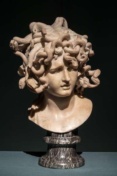 Gian Lorenzo Bernini, Medusa, Rom, 1638–1640, Marmor mit Spuren einer ursprünglichen Patina, H. 46 cm, Rom, Musei Capitolini, Palazzo dei Conservatori