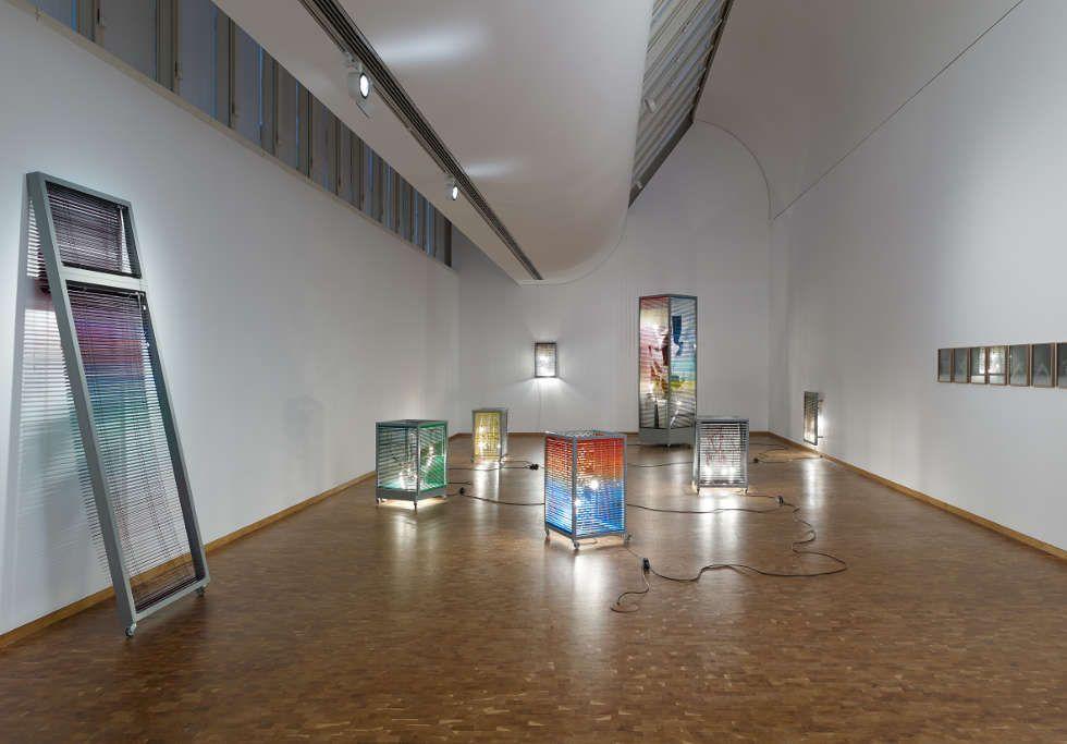 Haegue Yang, 5, Rue Saint-Benoît, 2008, Installationsansicht Haegue Yang: ETA 1994–2018. Wolfgang-Hahn-Preis 2018, Museum Ludwig, Köln, 2018 © Haegue Yang, Foto: Saša Fuis, Köln