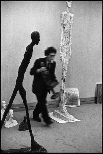 Henri Cartier-Bresson, Alberto Giacometti, 1961 (Henri Cartier-Bresson © / Magnum Photos © Estate of Alberto Giacometti / VGB 2020)