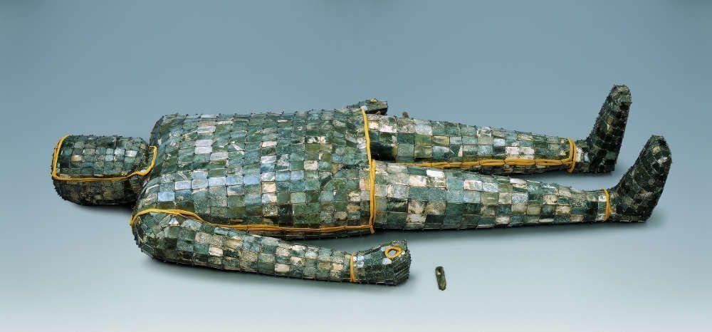 Jadegewand mit silbernen Fäden, Jade, Westliche Han-Dynastie, 206 v. u. Z. – 8 n. u. Z., © Xuzhou Museum