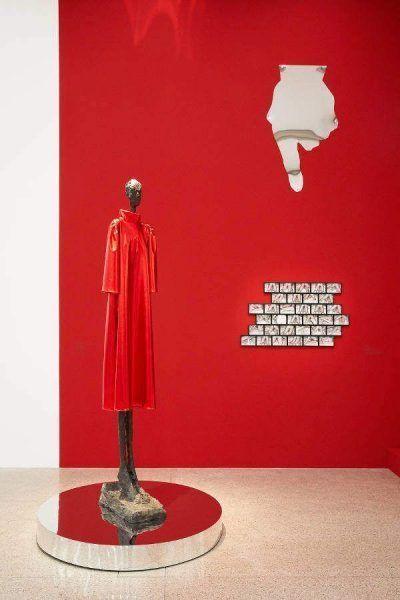 Jakob Lena Knebl und Giacometti, Ausstellungsansicht Oh… Jakob Lena Knebl und die mumok Sammlung, mumok Wien, 17.3.–22.10.2017, Photo: mumok / Lisa Rastl.