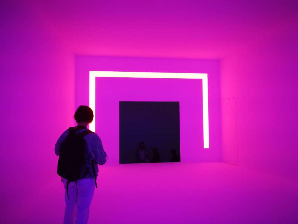 James Turrell, Ganzfeld APANI (pink), 2011, Installation, LED, 16 x 12 x 6 m (Installationsansicht: Alexandra Matzner, ARTinWORDS)
