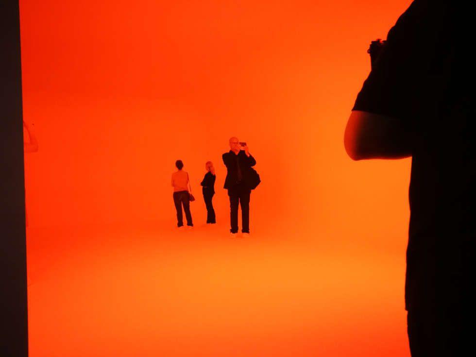 James Turrell, Ganzfeld APANI (orange), 2011, Installation, LED, 16 x 12 x 6 m (Installationsansicht: Alexandra Matzner, ARTinWORDS)