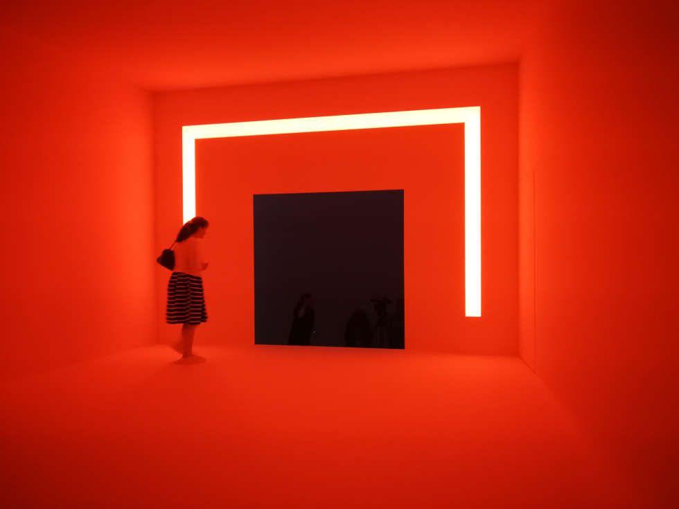 James Turrell, Ganzfeld APANI (rot), 2011, Installation, LED, 16 x 12 x 6 m (Installationsansicht: Alexandra Matzner, ARTinWORDS)
