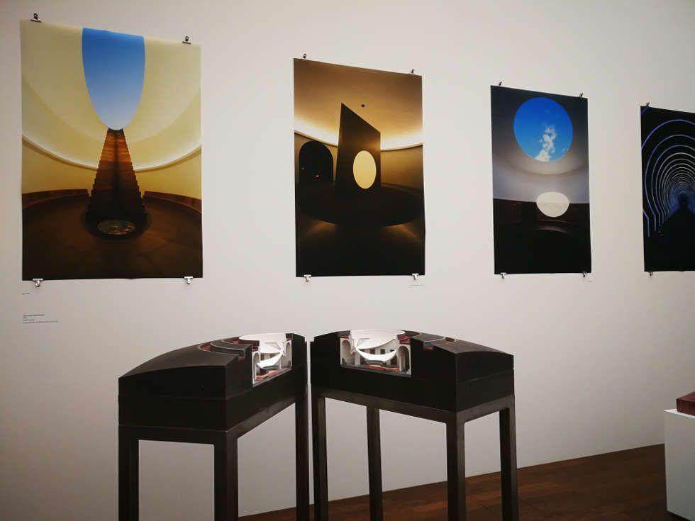 James Turrell, Roden Crater, Modell und Fotografien, Installationsansicht Museum Frieder Burda, Baden-Baden 2018, Foto: Alexandra Matzner, ARTinWORDS