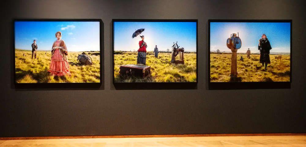 John Akomfrah, Preliminal Rites Triptych Series, 2017, Installation Leopold Museum, Foto: Alexandra Matzner, ARTinWORDS.
