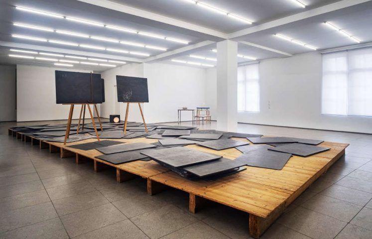 Joseph Beuys, Richtkräfte einer neuen Gesellschaft, 1974–1977 (erworben 1976 durch das Land Berlin, © Staatliche Museen zu Berlin, Nationalgalerie / Mathias Völzke, © VG Bild-Kunst, Bonn 2020)