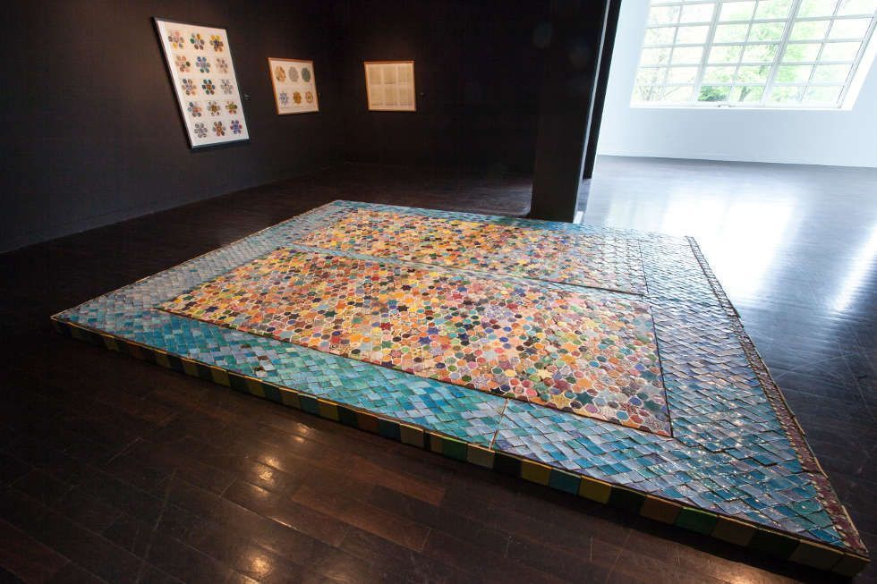 Joyce Kozloff, Ceramic Tile Floor, 1978/79, Keramikkacheln, Mörtel auf Sperrholz, 315 x 435 cm (Ludwig Forum für Internationale Kunst Aachen © Joyce Kozloff / Foto: Carl Brunn)