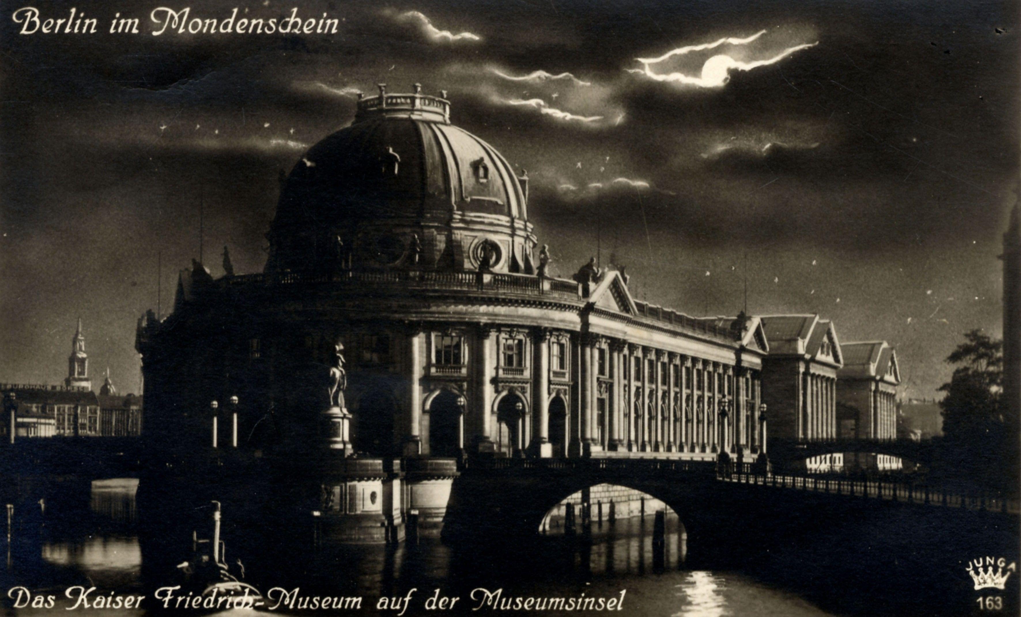 Kaiser-Friedrich-Museum in der Nacht, 1930, Fotopostkarte (© Staatliche Museen zu Berlin, Zentralarchiv)