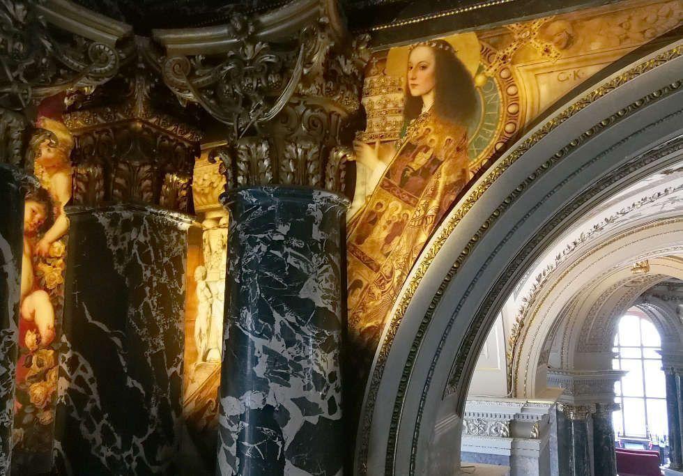 Klimt, Römisches Quattrocento: Taufbecken und Ecclesia, Kunsthistorisches Museum, Stiegenhaus, Foto © Alexandra Matzner, ARTinWORDS