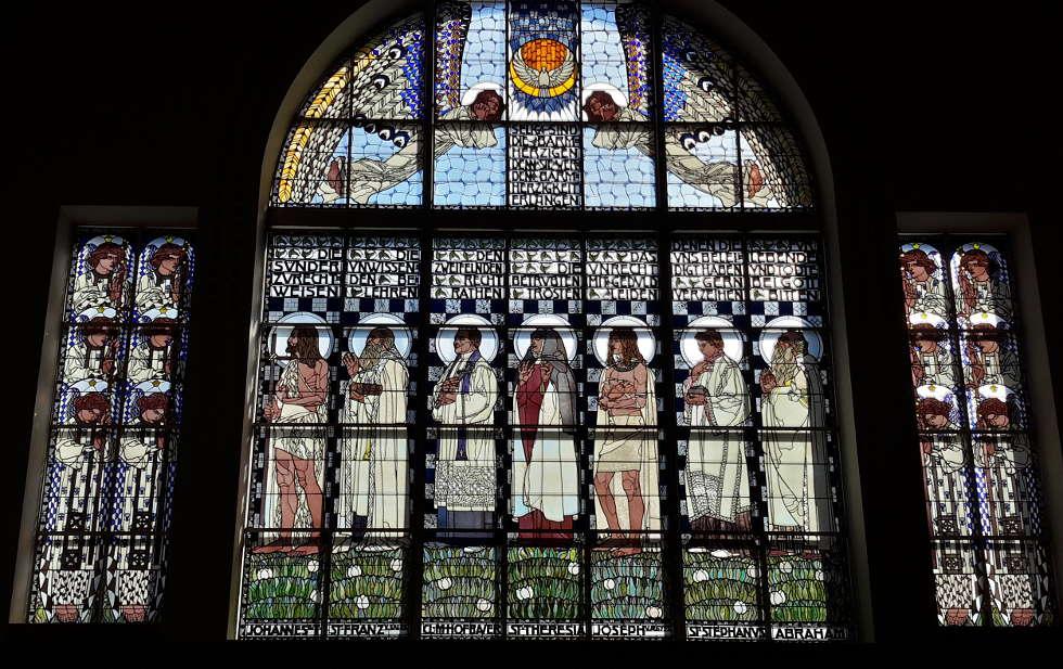 Koloman Moser, Fenster in der Kirche am Steinhof, 1905–1907, Foto: Alexandra Matzner, ARTinWORDS.