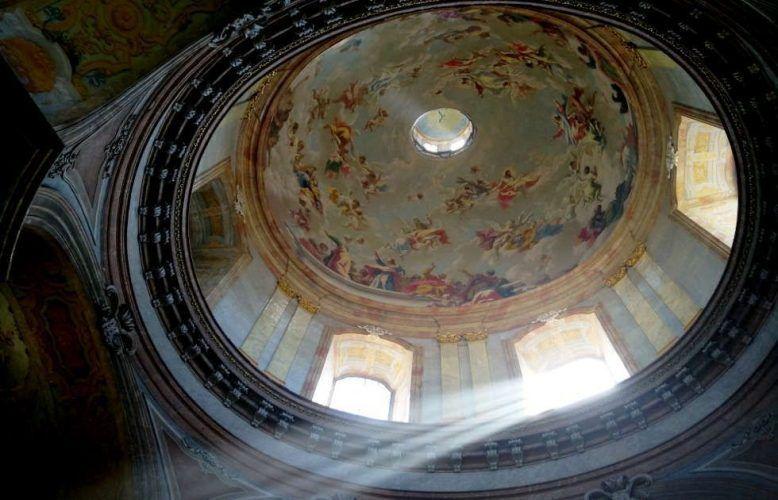 Kuppelaufblick in die Salesianerinnenkriche, Foto: ARTinWORDS, Alexandra Matzner
