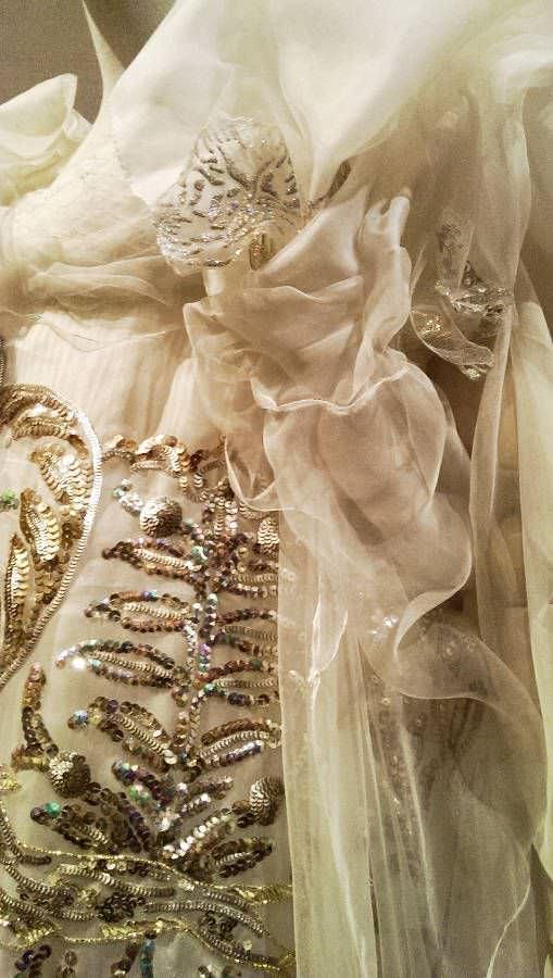 Christian Lacroix, Brautkleid, Detail, Frühjahr/Sommer 2007, Haute Couture, Foto: Alexandra Matzner, ARTinWORDS.