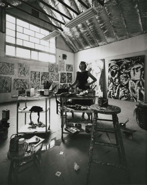 Lee Krasner, 1962, Foto von Hans Namuth (Courtesy Center for Creative Photography, University of Arizona, © 1991 Hans Namuth Estate)