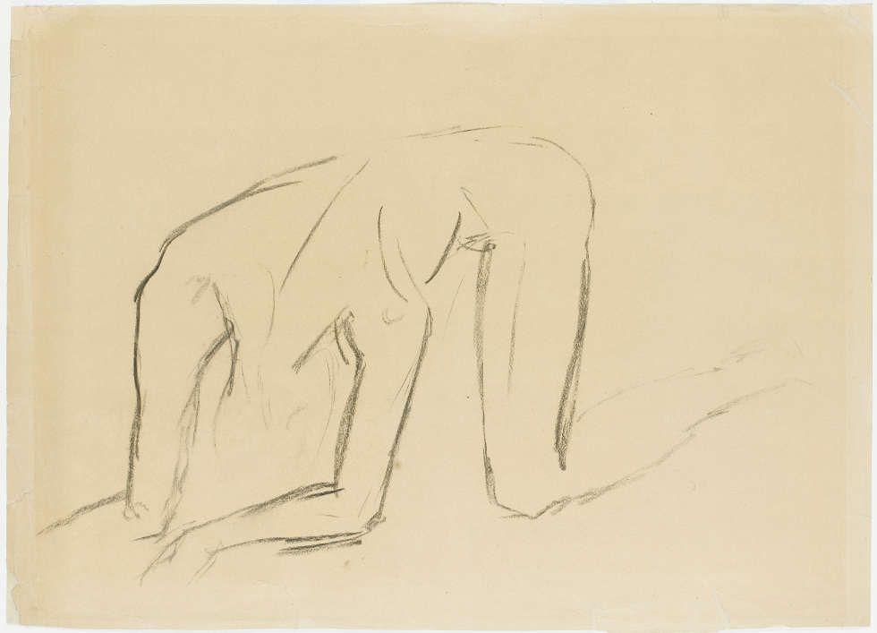 Wilhelm Lehmbruck, Studie zum Gestürzten schräg von vorne, 1916, schwarze Kreide auf Büttenpapier, 47,8 x 66 cm (Staatsgalerie Stuttgart, Graphische Sammlung)