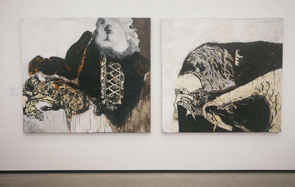 Lena Göbel, aus den Serien: dunkler ex machina (li) und Karpfumvierat, beide 2018, Holzschnitt, Papier, Öl/LW, 170 x 190 cm/170 x 180 cm, Foto: Alexandra Matzner | ARTinWORDS