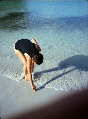 Lena Rosa Handle, Su am Meer, Aus der Serie Laughing Inverts, 2008 © Lena Rosa Handle