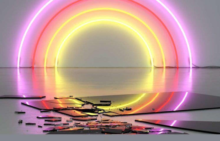 Lori Hersberger, Sunset 164, 2006, Neon, schwarzes Floatglas, 1,84 x 3,68 m (Neon), Installationsmaße variabel, © Lori Hersberger Studio, Zürich, Foto: Hans-Georg Gaul, Berlin