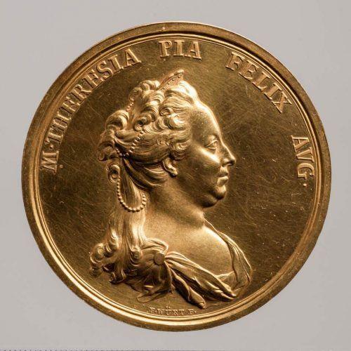 Franz Würth, Maria Theresia, Medaille auf die Wiederherstellung der Hofämter in Siebenbürgen, Avers, Wien 1762, Gold (Wien, Kunsthistorisches Museum, Münzkabinett Inv.-Nr. 1862bβ © KHM-Museumsverband)