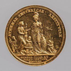 Johann Martin Krafft, Maria Theresia Medaille auf die Erneuerung der Universität zu Pavia, Revers, Wien 1770, Gold (Wien, Kunsthistorisches Museum, Münzkabinett Inv.-Nr. 1795bβ © KHM-Museumsverband)