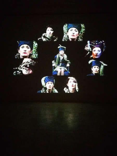 Marina Abramović, Dragon Heads, 1990–1992, 2018, Ausstellungsansicht Galerie Krinzinger, Wien, Foto: Alexandra Matzner, ARTinWORDS.