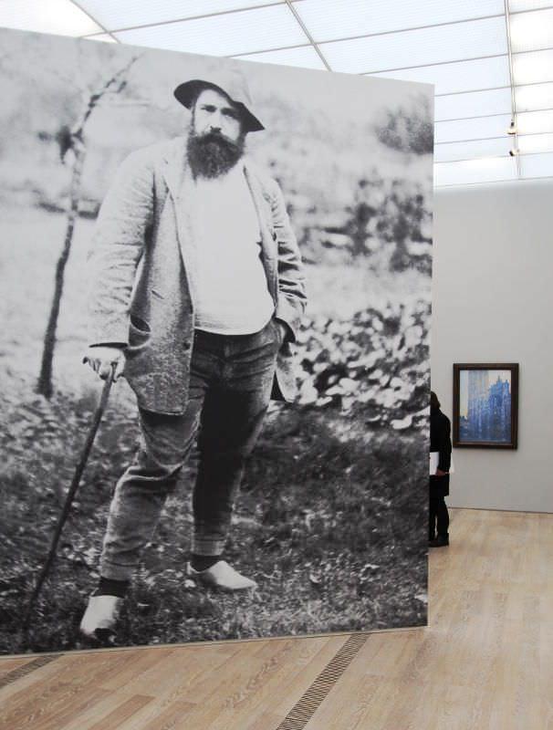 Monet in der Fondation Beyeler (Eingang zur Ausstellung), Foto: Alexandra Matzner, ARTinWORDS.